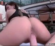 Brasileira novinha dando buceta no hotel