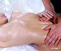 Sexo real com loira dando para seu massagista tarado