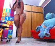 Vadia do peitão gozando no sexo via web cam