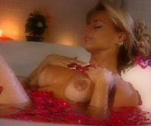 Viviane araujo nua dentro da banheira peladinha