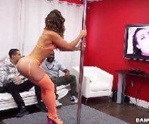 Porno stripper safada dando a sua vagina