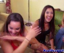 Festa lotada de putaria com as mulheres gostosinhas