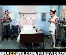 Japonesa anal dando o cu para o paciente