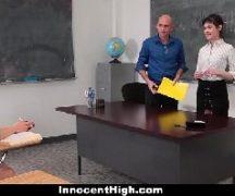Professor safado comendo a ninfeta