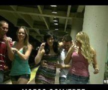 Orgia com mulheres safadas fodendo demais