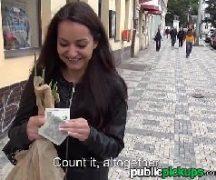 Tarada metendo com desconhecido na rua