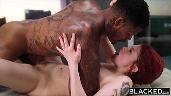 Gemendo durante o sexo a Bree Daniels fica tarada