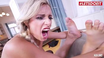Mia Linz loira gostosa em vídeo pornô
