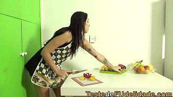 Porno secretaria gostosa dando de perna aberta todinha