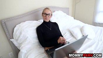Loira safada fazendo muito sexo gostoso
