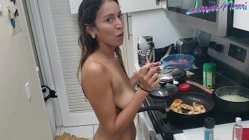 Sexo na cozinha com essa gostosa