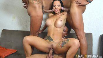 Brazil porno trio de rapazes gozando na mulher puta